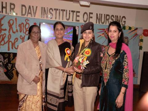 D.S.P Dr. Mrs. Richa AgniHotri Welcomed by Principal Mrs. Veena Williams