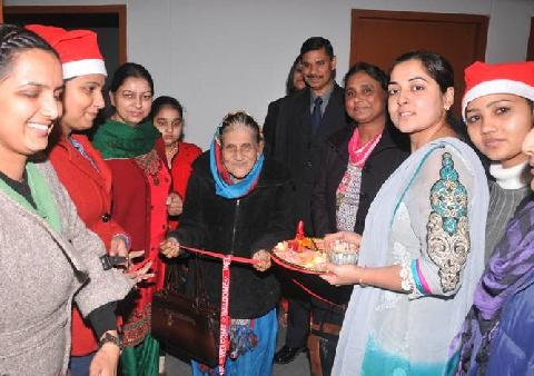 Welcome of Honorable Chief Guest Of the X-Mas Day Madam Mrs. Zeenat Williams