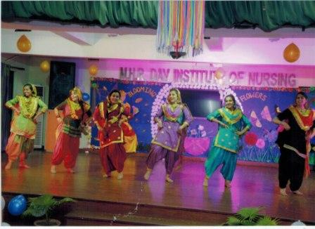 Gidha Performance