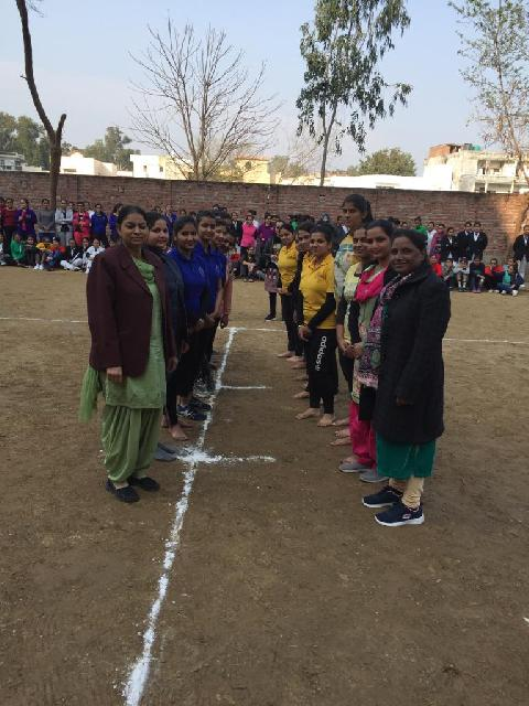 Sports meet was Organized at MHR DAV Institute of Nursing from 20th Feb to 28th Feb, on this occasion Principal Dr. Mrs. Veena Williams , Vice Principal Dr. Mrs. Harbans Kaur, All the Teaching and NoN-Teaching staff and students participated with sportsmanship and enjoyed the whole event. Various sports were played during the sports week.